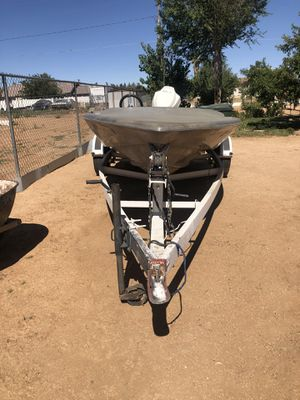 Tahiti schuster water craft speed boat for sale $1500.00 for Sale in Apple Valley, CA