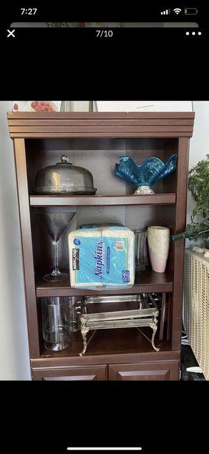 2 bookshelves cabinet for Sale in Boynton Beach, FL