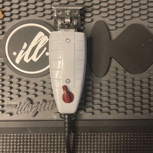 Andis T Outliner And Shaver for Sale in Cerritos, CA