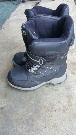 Kids snow boots size 11 for Sale in Tualatin, OR