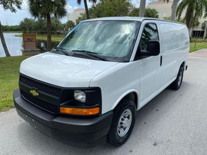 2017 Chevy express 2500 for Sale in Pompano Beach, FL