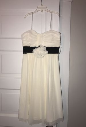 Short white dress for Sale in Cleveland, OH
