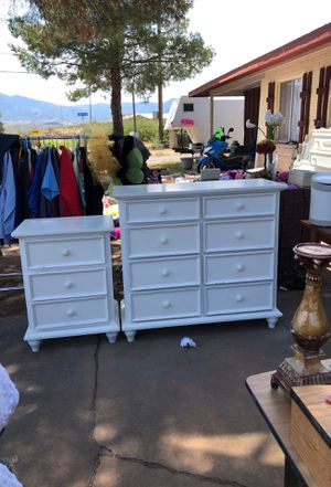 Dresser drawers and bed side table $225 for Sale in San Carlos, AZ