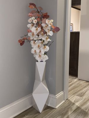 Modern geometric floor vase with orchids for Sale in Canton, GA