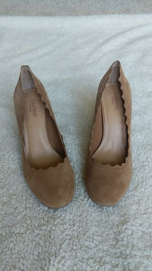 New Crown Vintage brand Suede Leather Heels Sz 8 1/2M for Sale in Bristow, VA