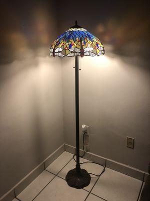 Tiffany floor lamp/ lámpara de piso de Tiffany for Sale in Miami, FL