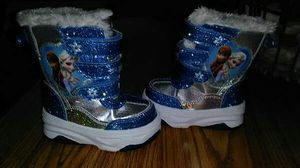 Toddler girl winter boots* brand new* size 5 for Sale in Toledo, OH