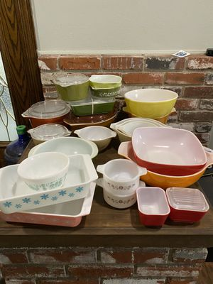 Vintage Pyrex for Sale in Tulare, CA
