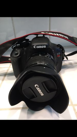 Canon Rebel T3i for Sale in Norco, CA