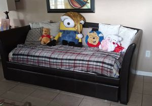 2 twin Bed Twindle Daybed for Sale in Lakeland, FL