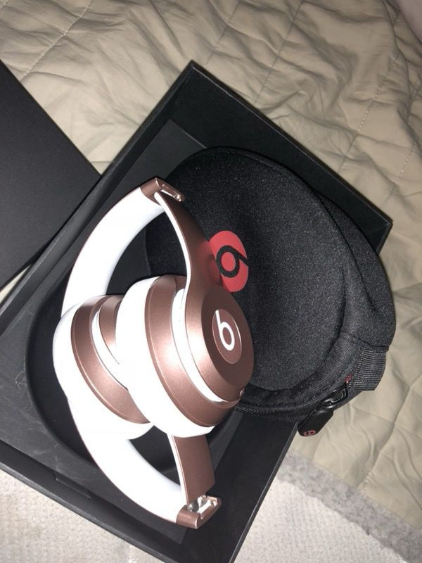Beats By Dre rose gold
