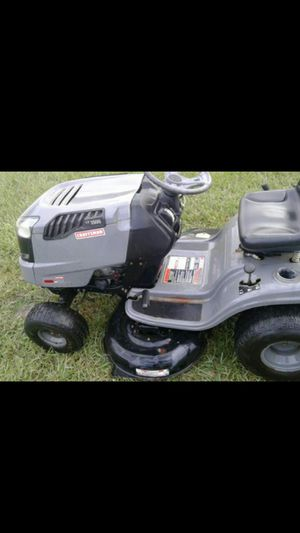 Craftsman LT 1500 riding lawnmower tractor for Sale in Tampa, FL