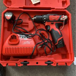 """Milwaukee M12 Drill/driver 3/8"""" Cat No. 2407-20 for Sale in Largo,  FL"""