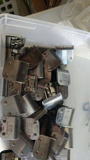 Box of grooming blades for Sale in Vallejo, CA