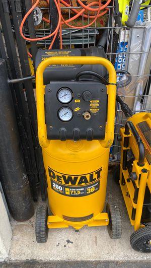 Dewalt 15 gallon air compressor for Sale in Garden Grove, CA