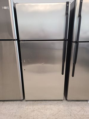 Ge stainless steel top freezer refrigerator used good condition with 90 days warranty for Sale in Mount Rainier, MD
