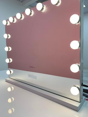 Vanity mirror with Bluetooth for Sale in Long Beach, CA