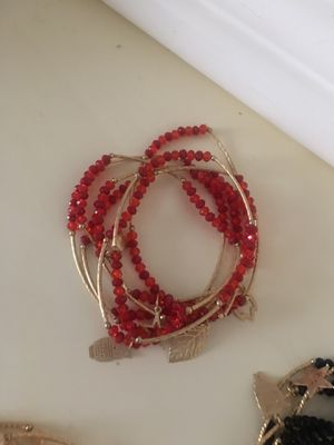 Bracelets $15 cada set ...pick up only for Sale in Lynwood, CA