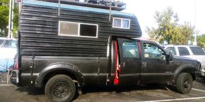 1986 sixpack camper 8ft bed long bed for Sale in Ventura, CA