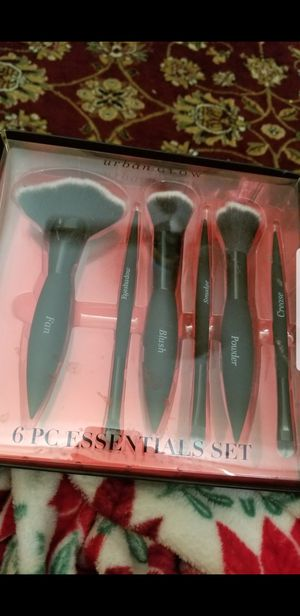 Makeup brushes for Sale in New Port Richey, FL