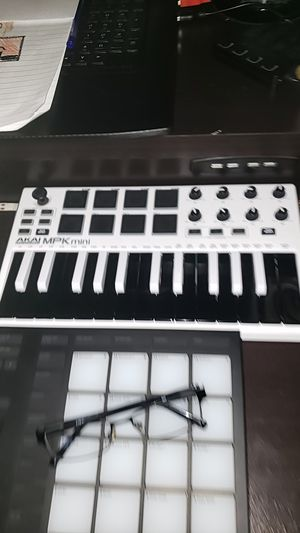Akai mpk mini for Sale in Lebanon, PA