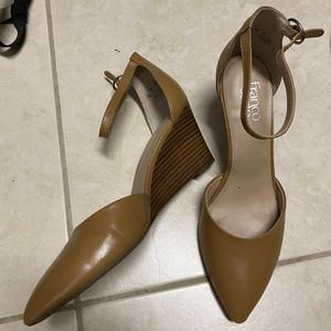 6 Pair Of Women's Shoes Size 10! for Sale in Port St. Lucie, FL