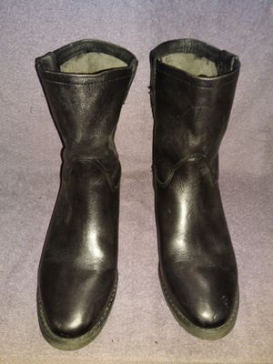 Women's boots size 8 for Sale in Lawrenceville, GA