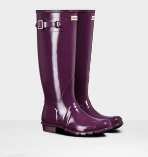 NEW - HUNTER Women's Purple GLOSSY FINISH TALL RAIN BOOTS - 7 for Sale in Bountiful, UT