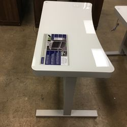 Adjustable Height Desk for Sale in Indianapolis,  IN