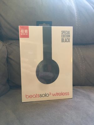 Dr Dre beats solo 3 wireless for Sale in Los Angeles, CA