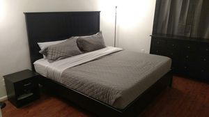 King bed set with memory foam mattress for Sale in Bethesda, MD