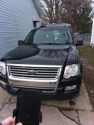 2009 Ford explorer 4x4 for Sale in Ravenna, OH