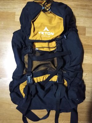 Teton Sports Scout 3400 Hiking Backpack for Sale in Pinetop, AZ