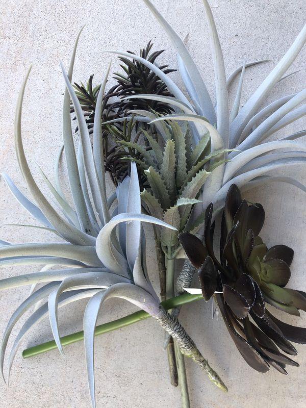 5 Succulent Fake plants lot