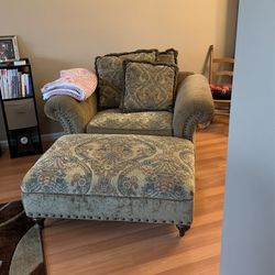 **NICE COUCH AND OVERSIZED CHAIR WITH OTTOMAN** for Sale in Imperial,  MO