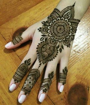 Henna ❤️❤️ desings party wedding every events for Sale in Oakland, CA