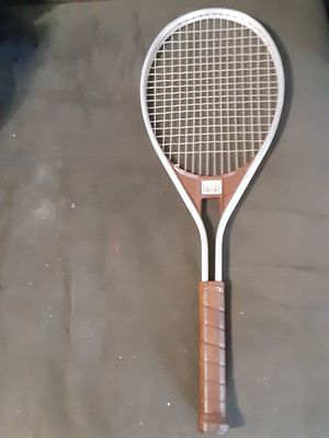 Head brand vintage tennis racket model Edge grip for in 1/4 for Sale in Columbus, OH