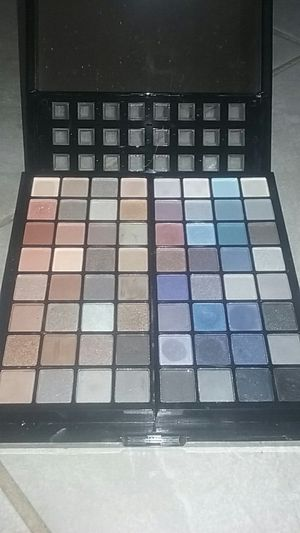 Makeup bundle for Sale in Las Vegas, NV