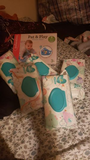 5 packs of Pampers Sensitive Wipes and Pat and Play water mat for Sale in Detroit, MI