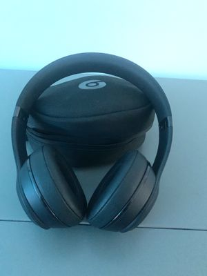 Beats Solo 3 Wireless Headphones for Sale in Los Angeles, CA