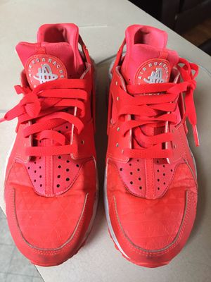 Nike huarache size 8 mujer for Sale in Baldwin Park, CA
