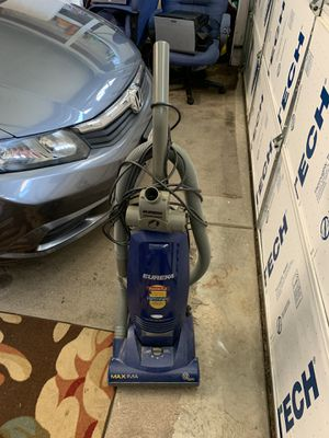 Carpet vacuum cleaner 25 you pick up for Sale in Lincoln, CA