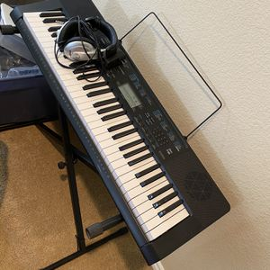 Keyboard With Headphones And Stand for Sale in Parker, CO