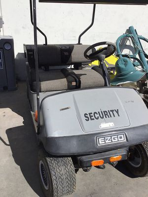 E-Z-GO GOLF CART & CHARGER for Sale in San Diego, CA