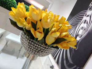 Beautiful 40 silk tulips floral for Sale in West Palm Beach, FL
