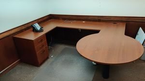 L Desk with Lightbulb attachment for Sale in Cuyahoga Falls, OH