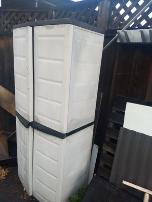 """Free outdoor Rubbermaid shed """"Pending Pickup"""" for Sale in San Jose, CA"""
