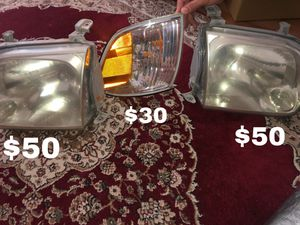 Toyota Tundra 2005 Headlights for Sale in Manassas, VA