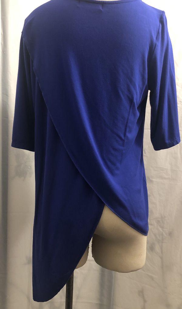 Blusa azul de picos