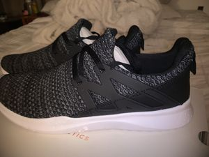 Fabletics shoes 8.5 women's for Sale in Modesto, CA